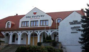 Dom Kultury_Pomnik Czynu Bojowego Kleeberczykow_Wola Gulowska